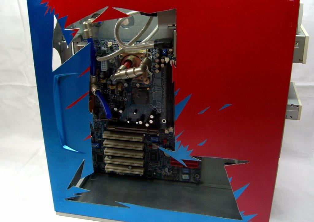 Casemod: rot blaues Seitenfenster